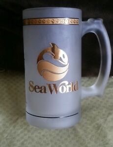 SEA WORLD 1992 Frosted Glass BEER MUG Gold leafed.New .
