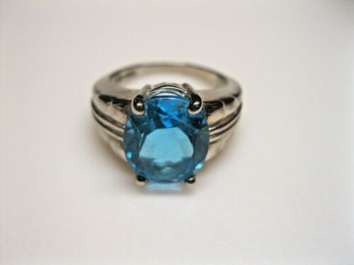size 8   **M3 vintage sterling silver statement ring with simple band and oval faceted blue topaz stone