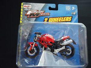Maisto-Ducati-Monster-696-Red-1-18-Motorcycle-Bike