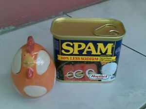 Salt-and-Pepper-Shaker-Dispenser-Chick-Chicken-Hen