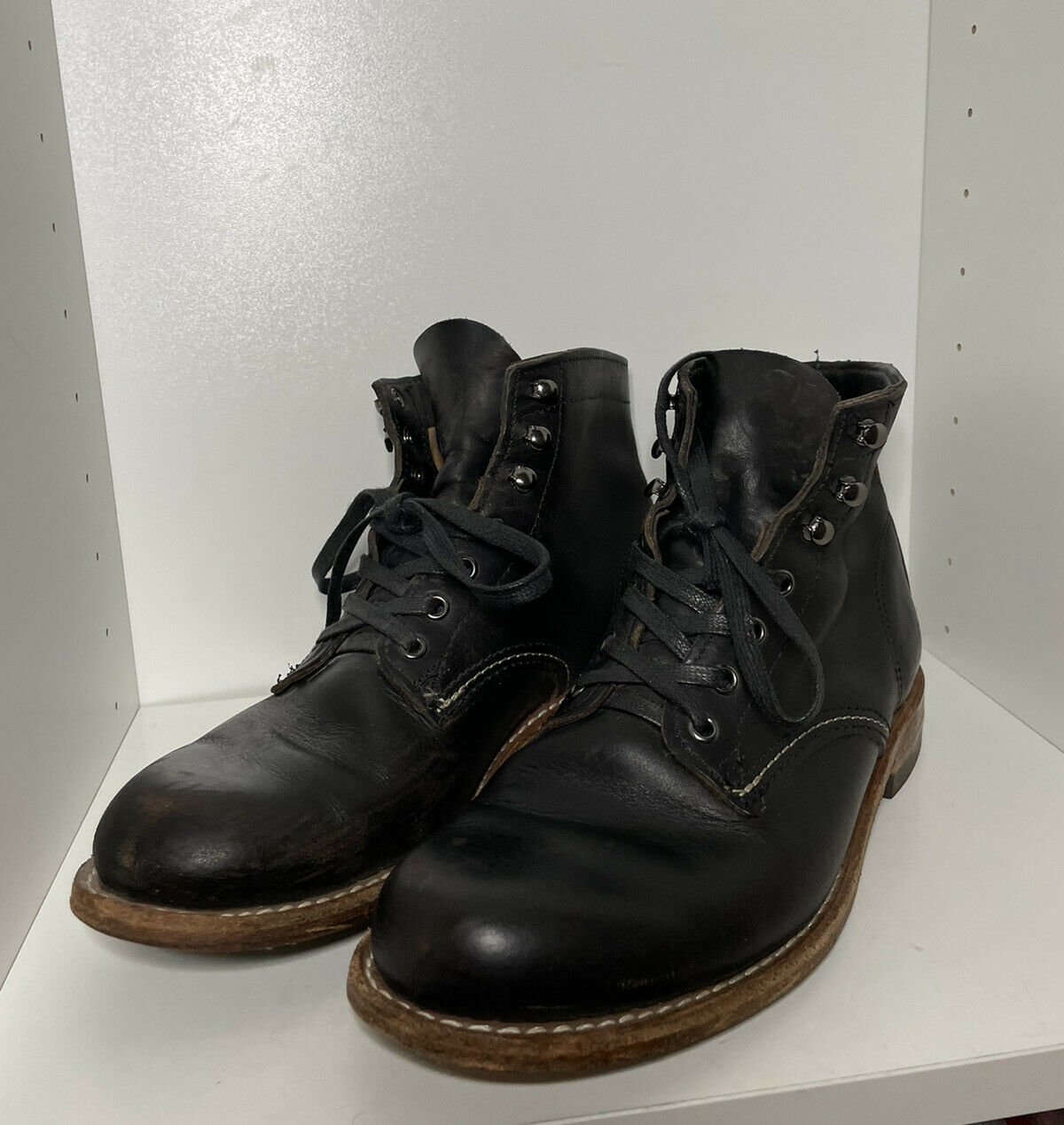 Wolverine 1000 Mile Boots - Size 7 - Black
