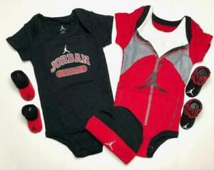 Caps /& Booties Bodysuits 0-6 Months . AIR JORDAN Baby Boys 5 pieces GIFT SET