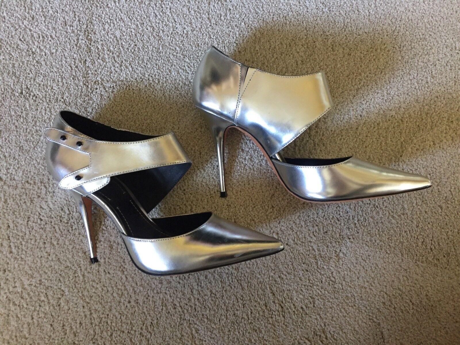 NWOB  325 Elizabeth and James Vero Cuoio argent Leather Mirroruge Heels 8.5 B