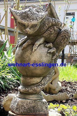 GA1115 Drache Oscar auf Steinkugel Fiona Scott Pheebert's Statuary