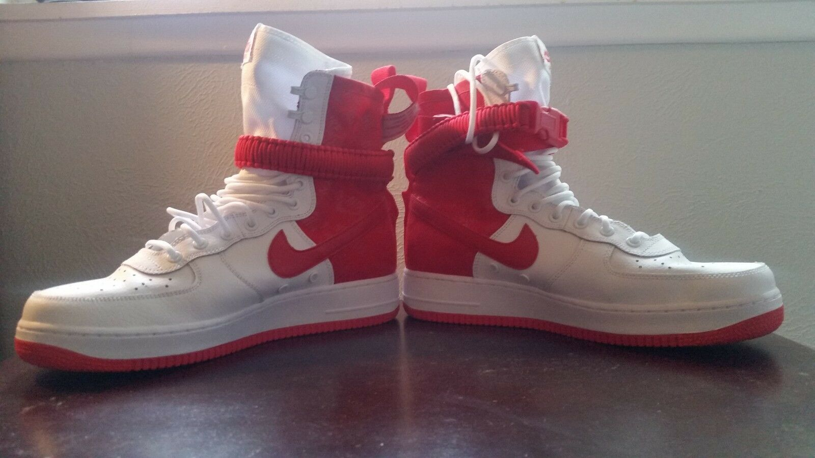 NIKE Men's High Air Force 1 Hightop shoes Sneaker Red White (Size 11)