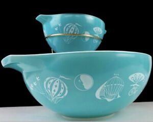 Vintage Pyrex Glass Turquoise / White Balloon Chip & Dip Set