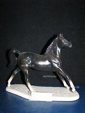 +# A015453_01 Goebel Archivmuster, D. Brindley Pferde, 32-359, Pferd auf Postam.