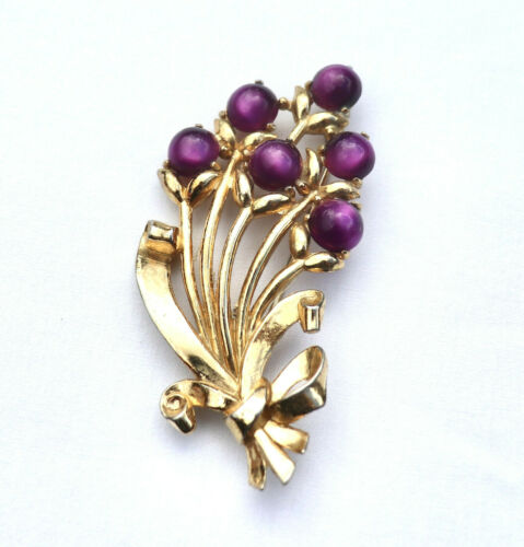 VINTAGE CORO GOLD PLATED AND PURPLE LUCITE FLOWER
