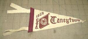 "1956 TANEYTOWN HIGH SCHOOL 9"" 4-Tassel White/Ivory PENNANT - Taneytown, Maryland"
