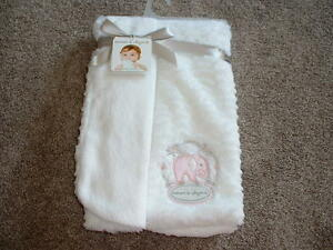 Blankets & and Beyond White Elephant Blanket Baby Infant Girls NWT NEW So Soft!