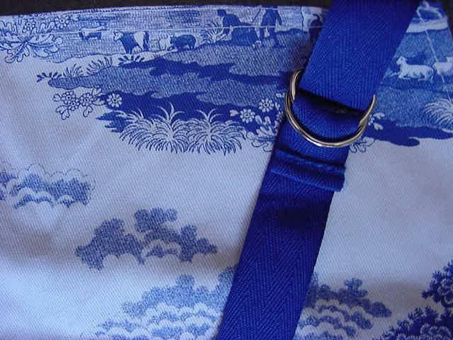 Las pimpinelas Spode Blue Diseño Italiano PVC delantal o longitud completa Pichi