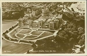 Aerial-View-WINDSOR-CASTLE-Vintage-Postcards-Aerofilms-CB-601