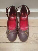 Korte støvler med snøre up og flad hældesign snøre up sort