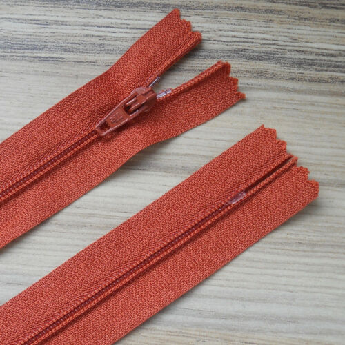 """NO.3 WEIGHT VARIOUS COLOURS *** 6/""""// 15CM AUTOLOCK CLOSED END NYLON X 10 ZIPS"""