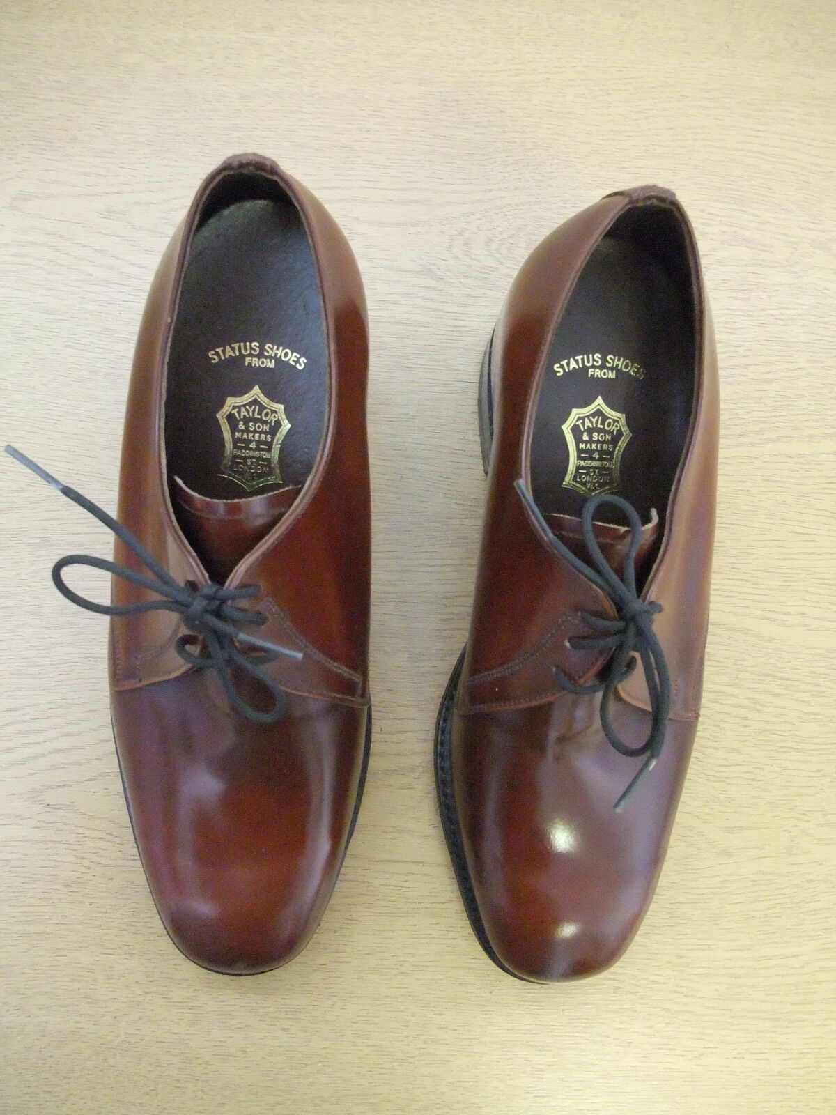Mens shoes Taylor & Sons handmade brown lace-ups, size new 3320