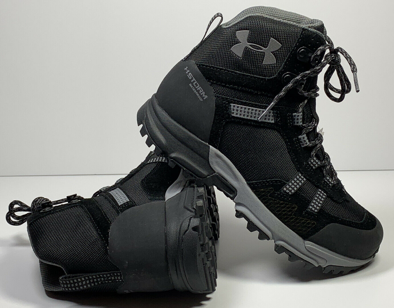 under armour hiking shoes waterproof