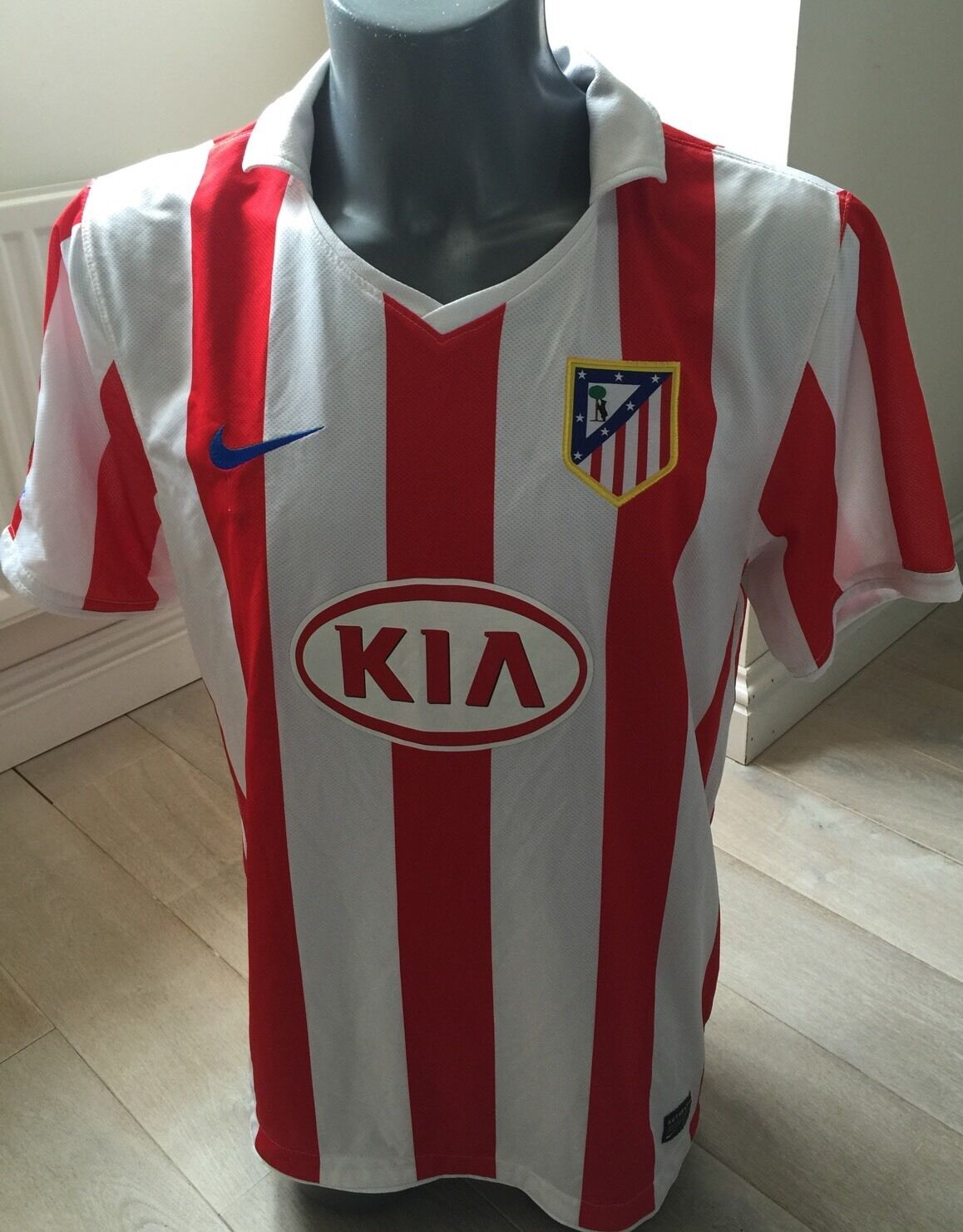 Authentic Atletico Madrid 2010-11 Men's Large Home Football Shirt EXC COND