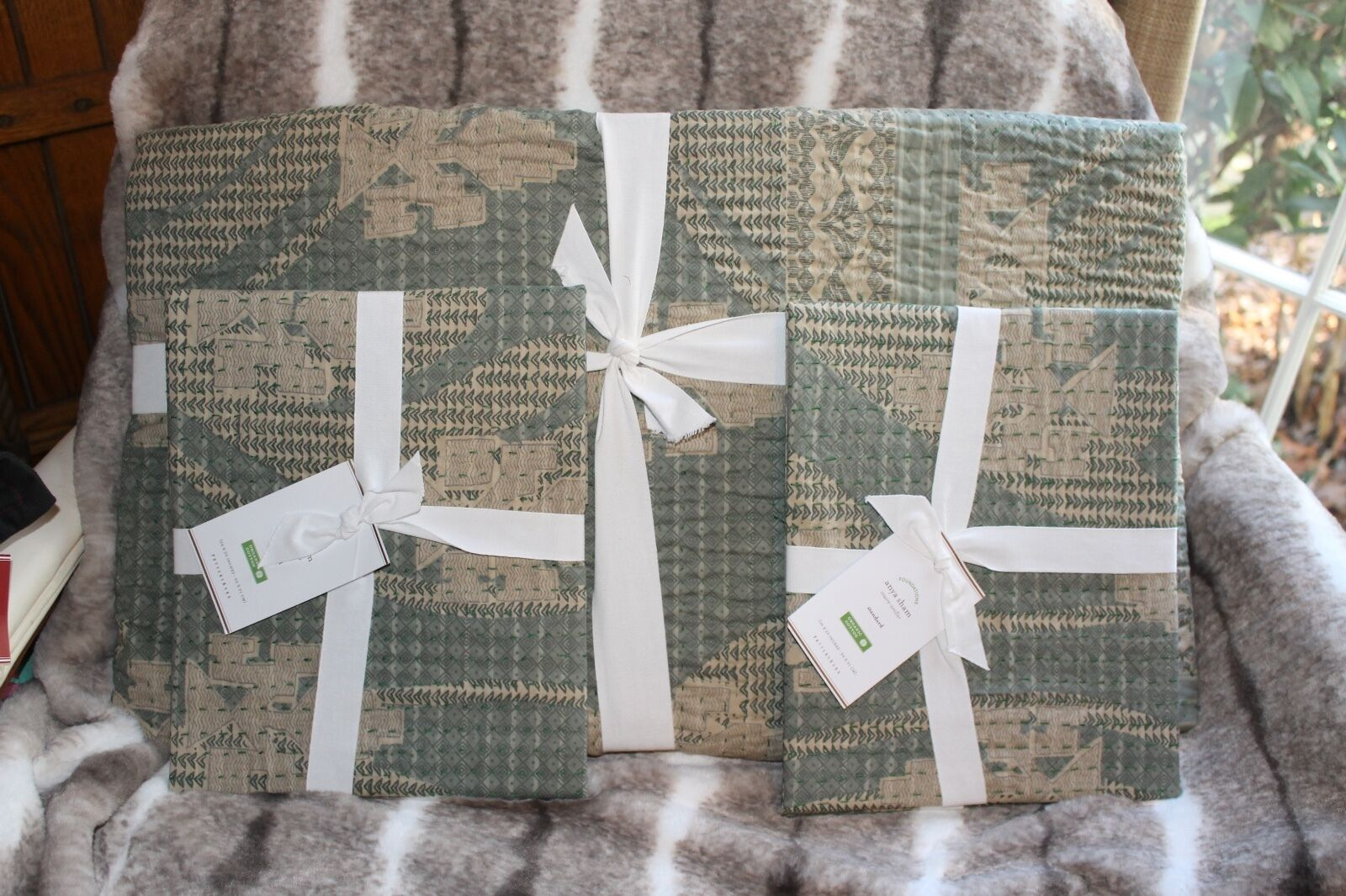 NEW Pottery Barn Anya ORGANIC Full Queen Quilt 2 Standard Shams Hand Quilted