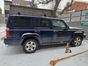 2006 Jeep Commander 7 pass 4x4 3.7 L Auto No Rust Active 220 Kms