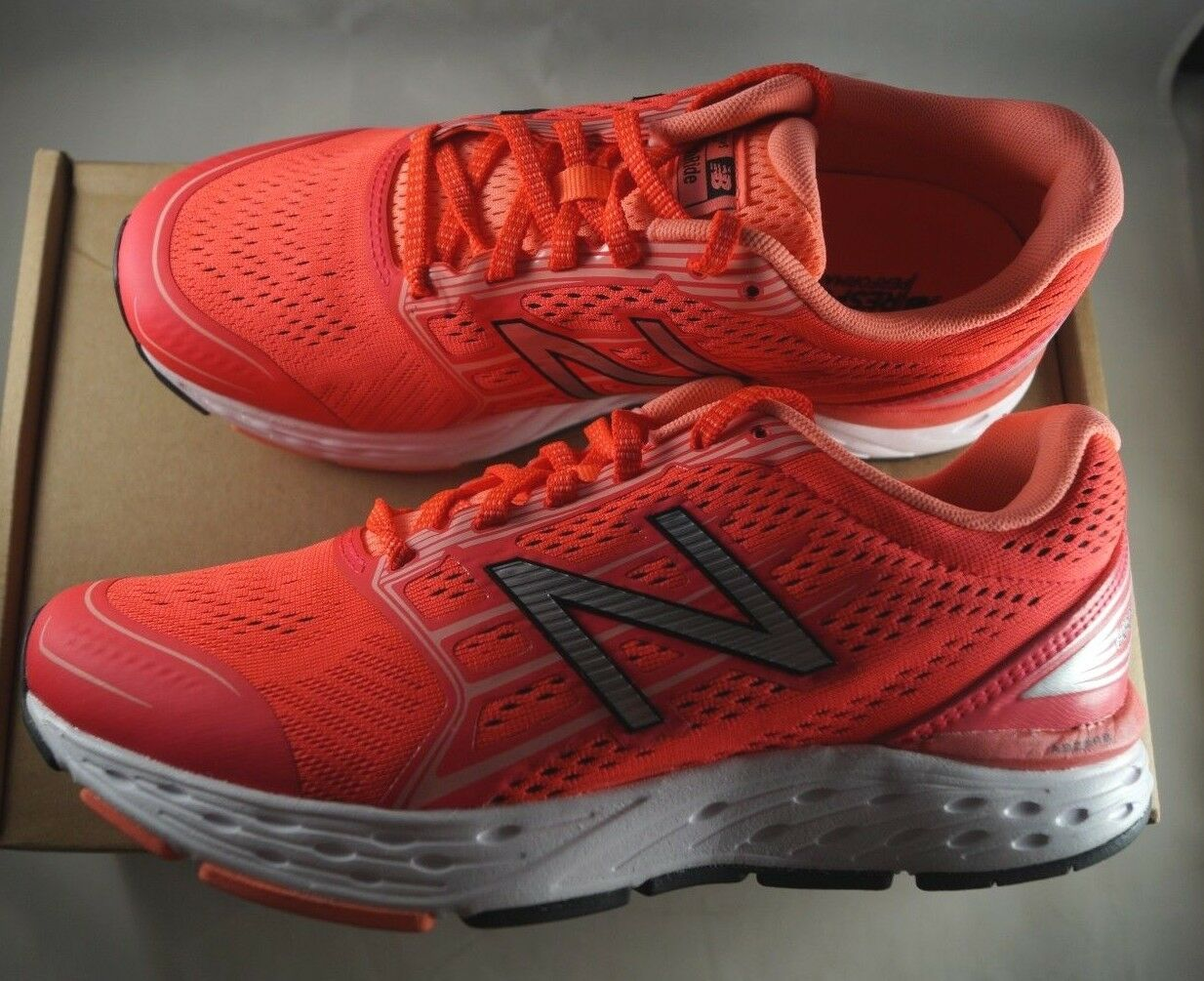 New Balance Women's 680v5 Cushioning Running shoes Coral Size 9  (B)  70% off