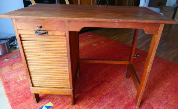Kleiner Antiker Schreibtisch Weichholz Mit Um 1930 Mit Rolladenfach Produkte Werden Ohne EinschräNkungen Verkauft