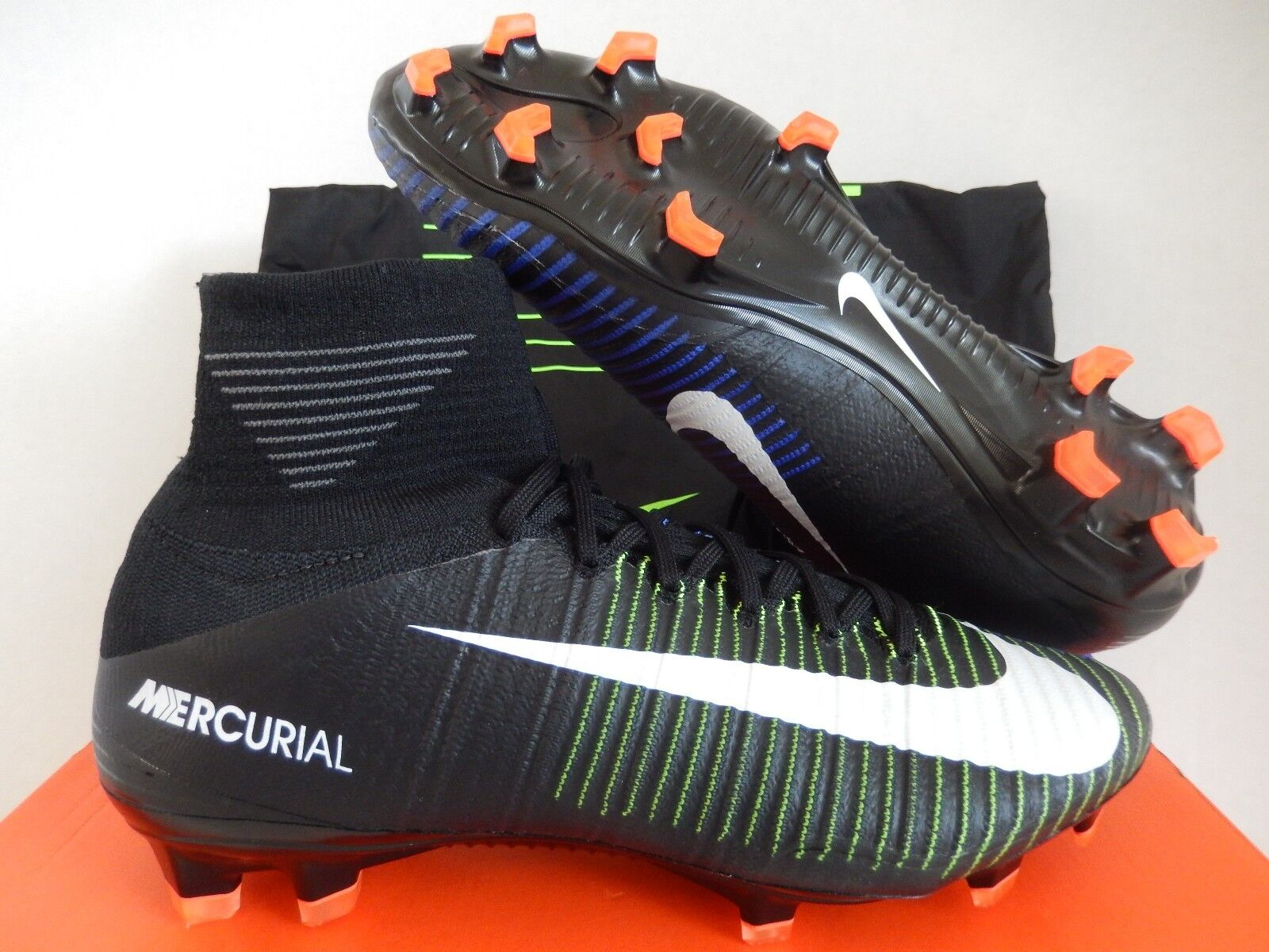 MENS NIKE MERCURIAL SUPERFLY V FG BLACK-WHITE-ELECTRIC GREEN SZ 9.5 [831940-013]