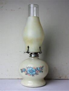 Vintage-White-Painted-Glass-Oil-Kerosene-Hurricane-Lamp-w-Opaque-White-Globe