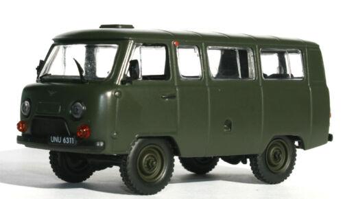 UAZ 452 POLNISCHE ARMEE MILITÄR BUS 1980 NEW-NEU -- 1//43 IXO//IST