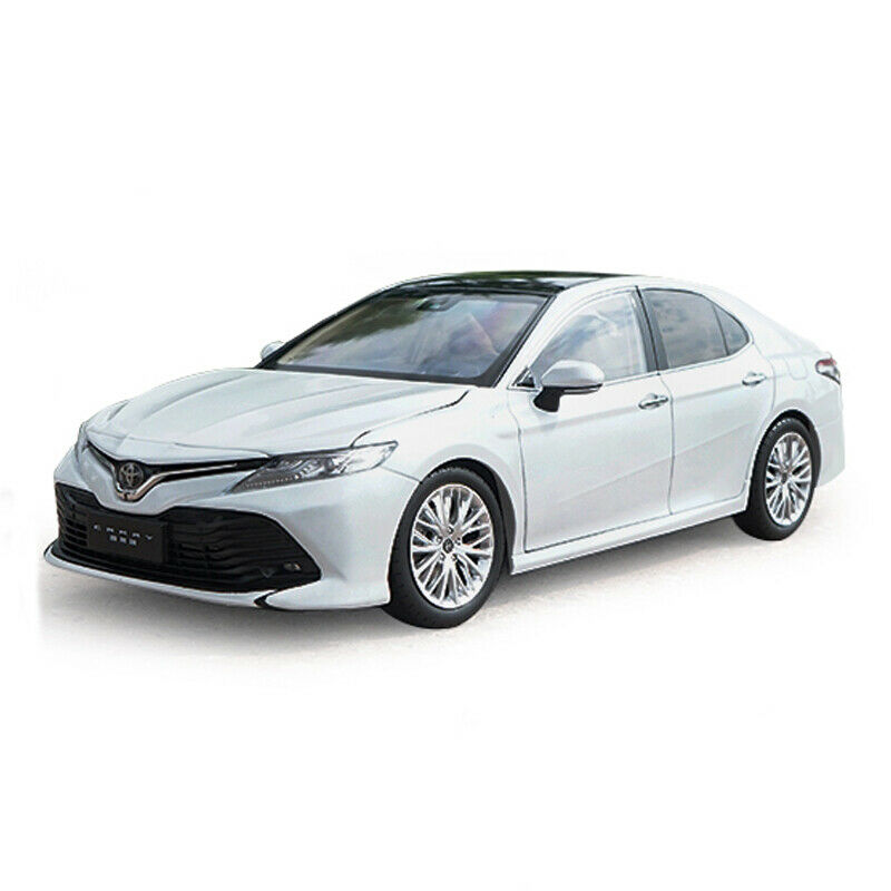 Toyota 8th Generation Camry 1 18 Model Car Diecast Gift Vehicle Collection White