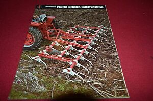 International-Harvester-Vibra-Codolo-Cultivators-Dealer-039-s-Brochure-Dcpa