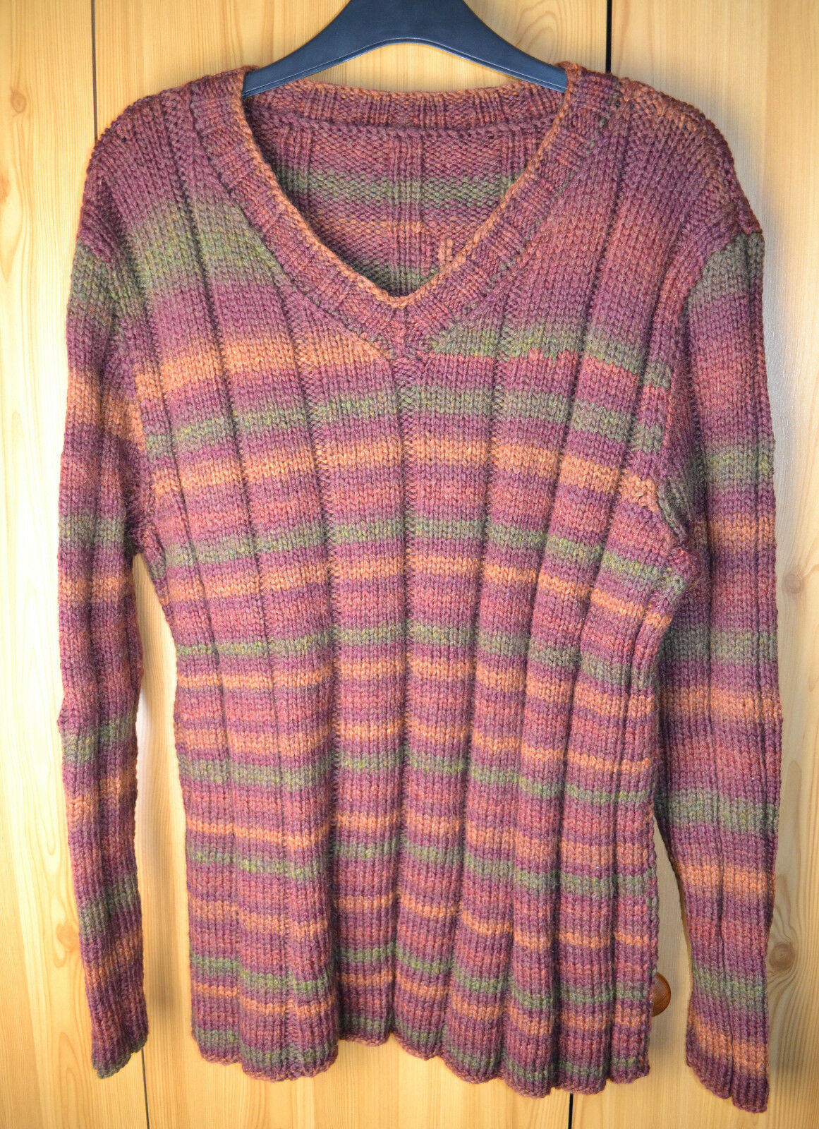 HAND Knitted Uomo V-Neck Maglione Taglia XL Patons Colour Works Aran