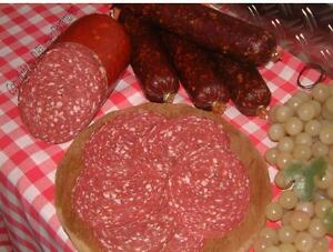 Grobe-Plockwurst-vom-Pferd-100gr-geschnitten