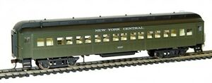 Rivarossi-New-York-Central-60ft-Coach-2347-HO-Scale-Train-Car-HR4200