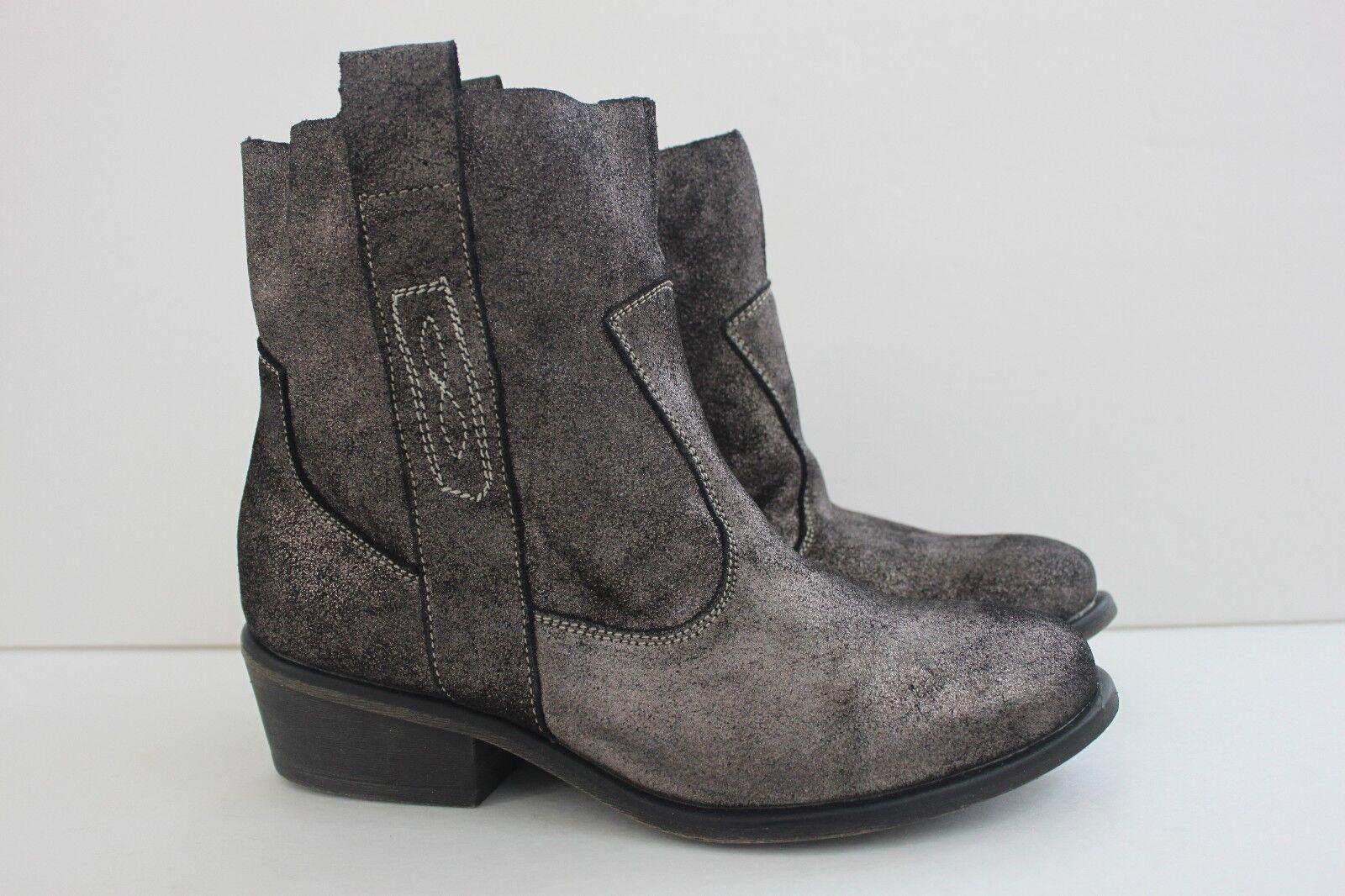 Charles By Charles David Shoe Size 7.5 M Pewter Metallic Leather Boot Womens NIB
