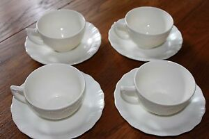 MACBETH-EVANS-CREMAX-BORDETTE-CREAM-IVORY-CUPS-and-SAUCERS-4-Sets