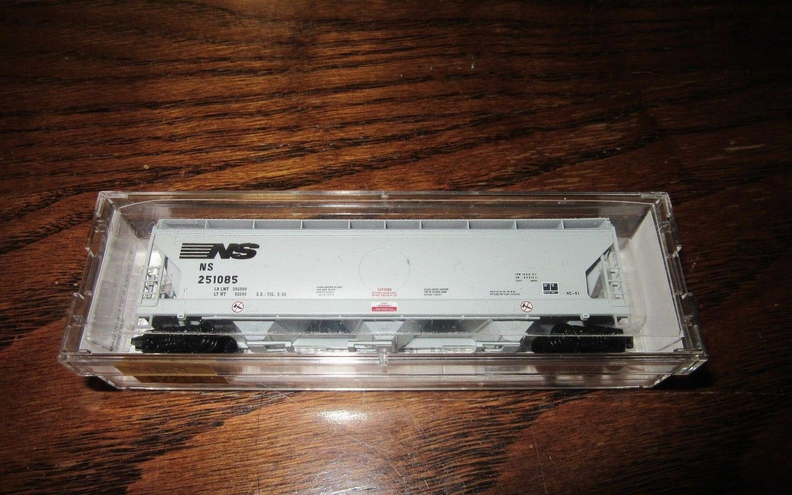 Micro-Trains N-Scale Norfolk Southern-Rare and Discontinued-94030-Mint