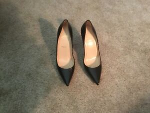 "size 40 ddbfe 5f382 Details about CHRISTIAN LOUBOUTIN ""APOSTROPHY PUMP"" 100 MM BLACK SIZE 8 B"