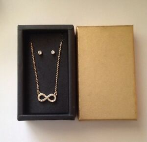 New-Gold-Tone-Metal-Infinity-Necklace-and-Post-Earrings-in-Box-J38