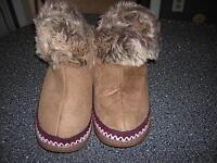 Small (5 6) Camel Soft Cozy Clog Slipper