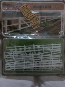 Airfix-00-ho-Scale-Fencing-And-Gates-Series-1