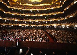 Art-print-POSTER-Canvas-Audience-in-New-Metropolitan-Opera-House