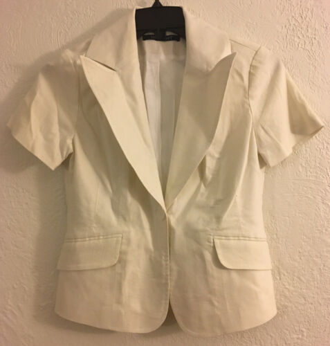 I-n-s-i-g-h-t  Woman's Blazer Jacket Size 4 Off Wh