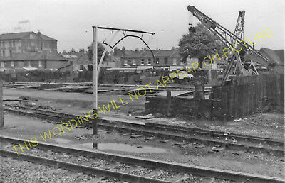 1 Hanwell /& Elthorne Ealing Broadway Railway Station Photo GWR. Acton