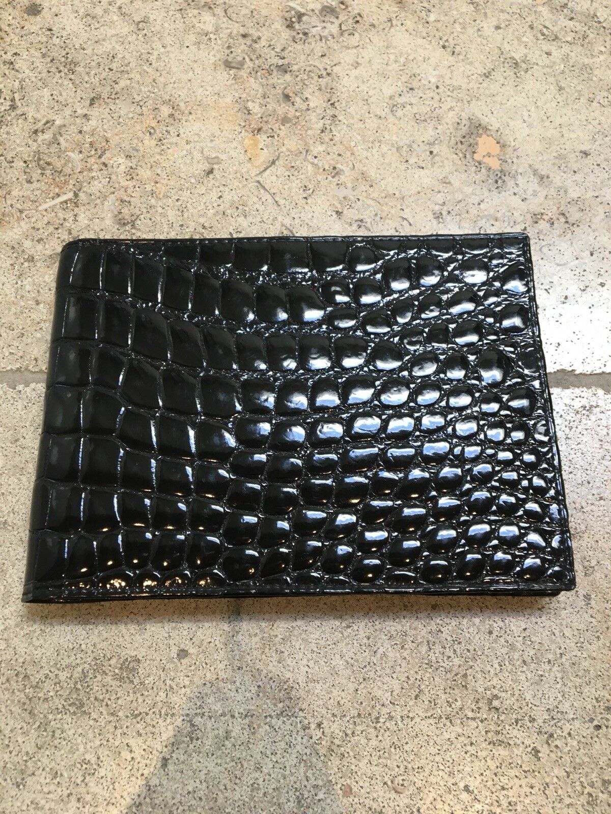 Gucci! 100% Authentic Mens Alligator Skin Wallet. Brand New, Never Been Used!!