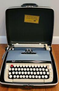 "SMITH CORONA GALAXIE II Portable Manuel TYPEWRITER In The Original Case  ""NICE"""