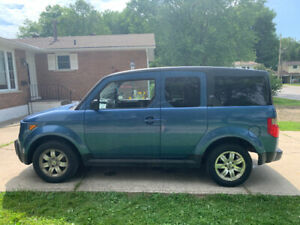 08 Honda Element Real time AWD.