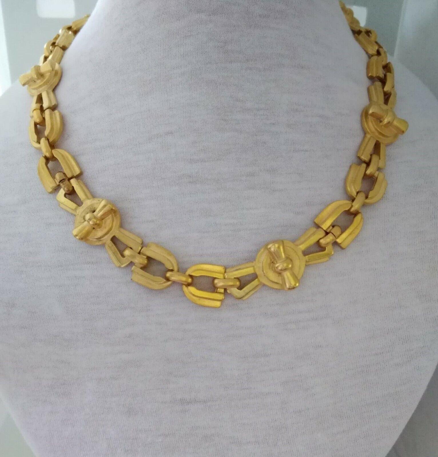 Vintage Design Italian Necklace Metal Gold Color and collanrino choker-show original title