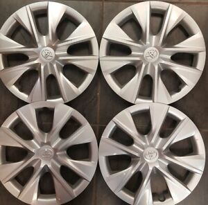 A-Set-Of-Toyota-Corolla-2014-2018-Hubcaps-Factory-Original-OEM-61171-Wheel-Cover