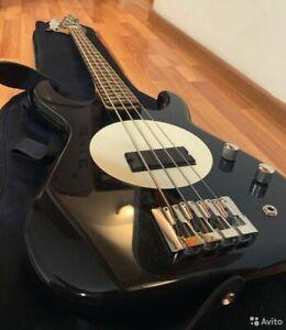 Flea bass model 32
