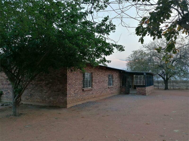 3 BEDROOM HOUSE TO RENT ONVERWACHT